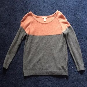 Color-block light weight woolen sweater